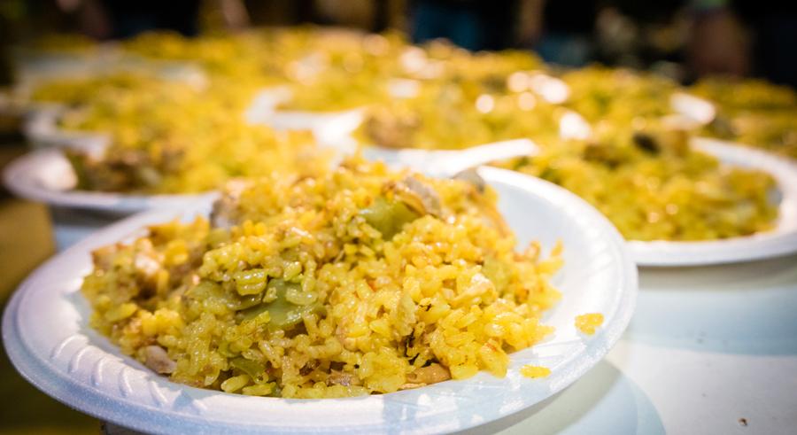 Plato arroz de una paella gigante de Galbis